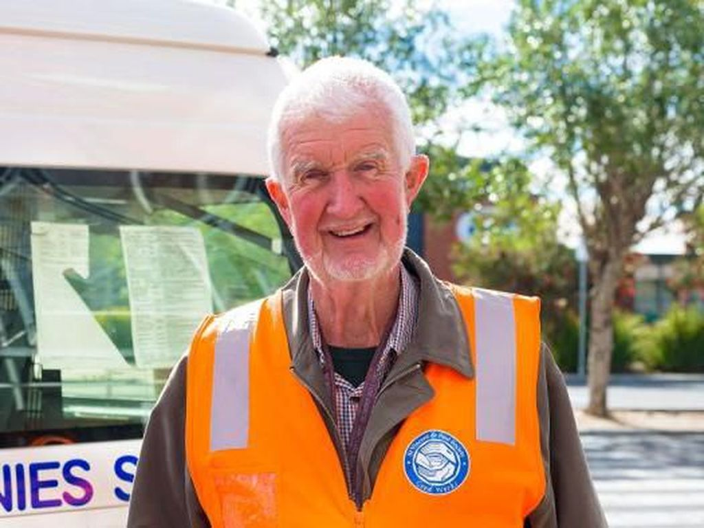 Pria Ini Sudah 44 Tahun Bagikan Makanan Gratis di Melbourne
