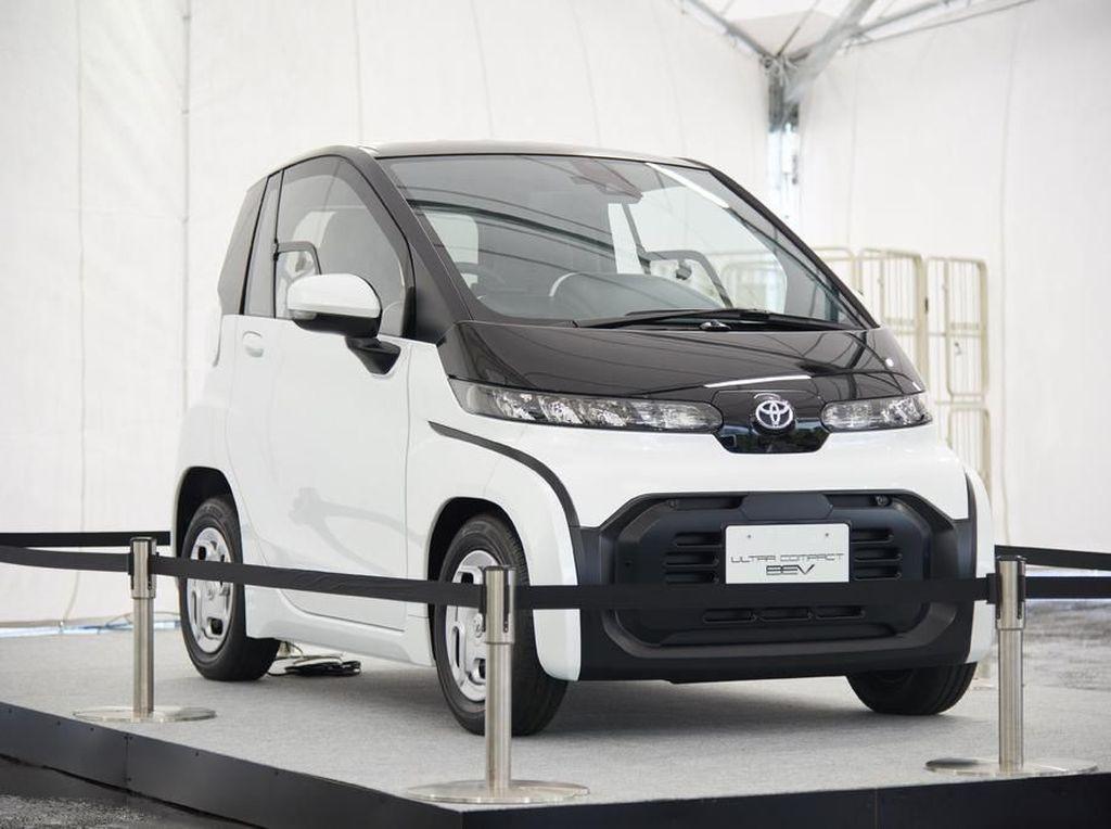 Mobil Listrik Imut Toyota, 2 Penumpang Cocok Buat Emak-emak