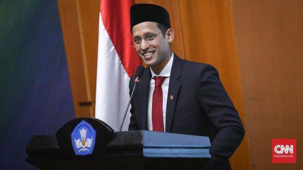 Menteri Pemdidikan, Kebudayaan dan Pendidikan Tinggi Indonesia, Nadiem Anwar Makarim usai serah terima jabatan dari Muhadjir Effendy di Jakarta, Rabu, 23 Oktober 2019. CNNIndonesia/Safir Makki