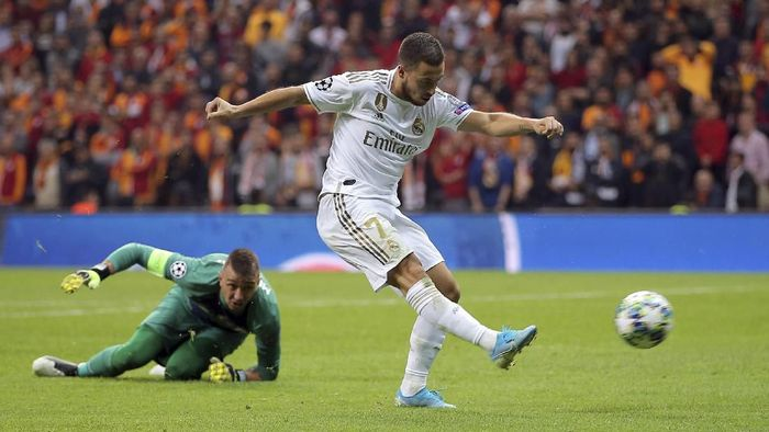 Momen Eden Hazard buang peluang emas di laga melawan Galatasaray. (Foto: AP Photo)