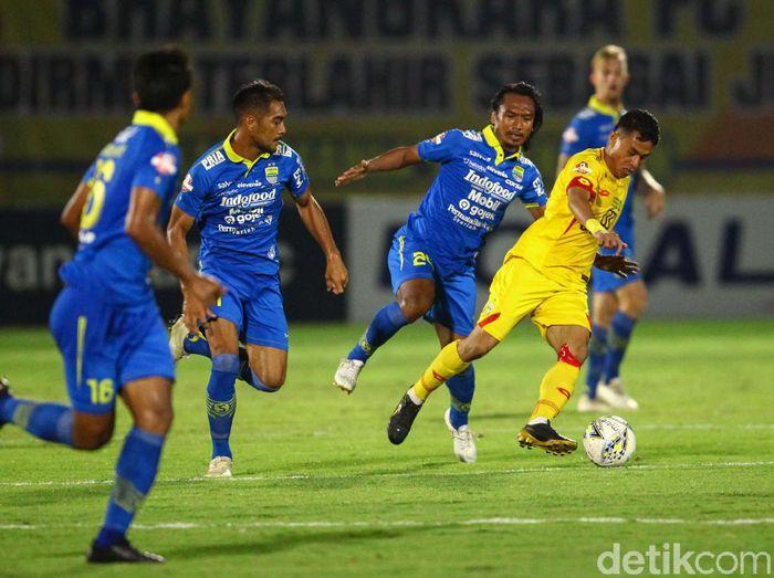Bhayangkara FC menjamu Persib Bandung di laga pekan ke-24 Liga 1 2019. Bertanding di Stadion PTIK, Jakarta, Rabu (23/10/2019), laga berakhir imbang 0-0.