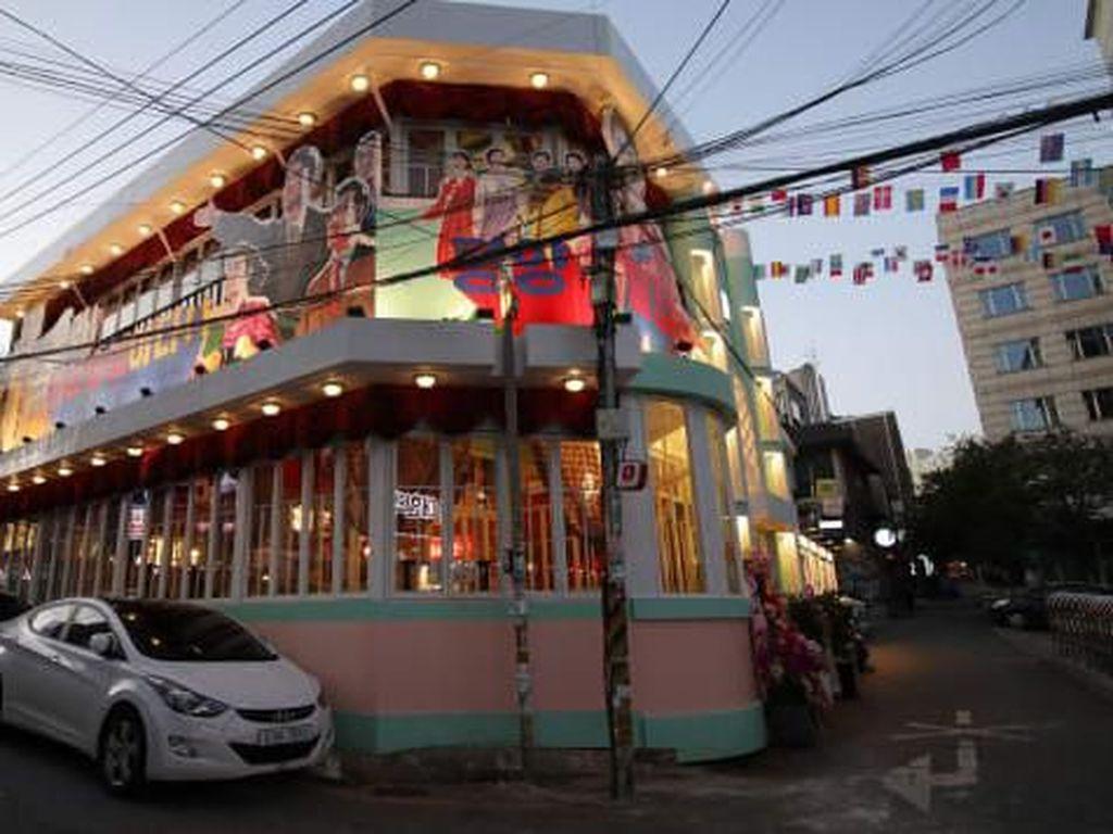 Unik! Pyong-yang Pub, Bar Bertema Korea Utara yang Ada di Seoul