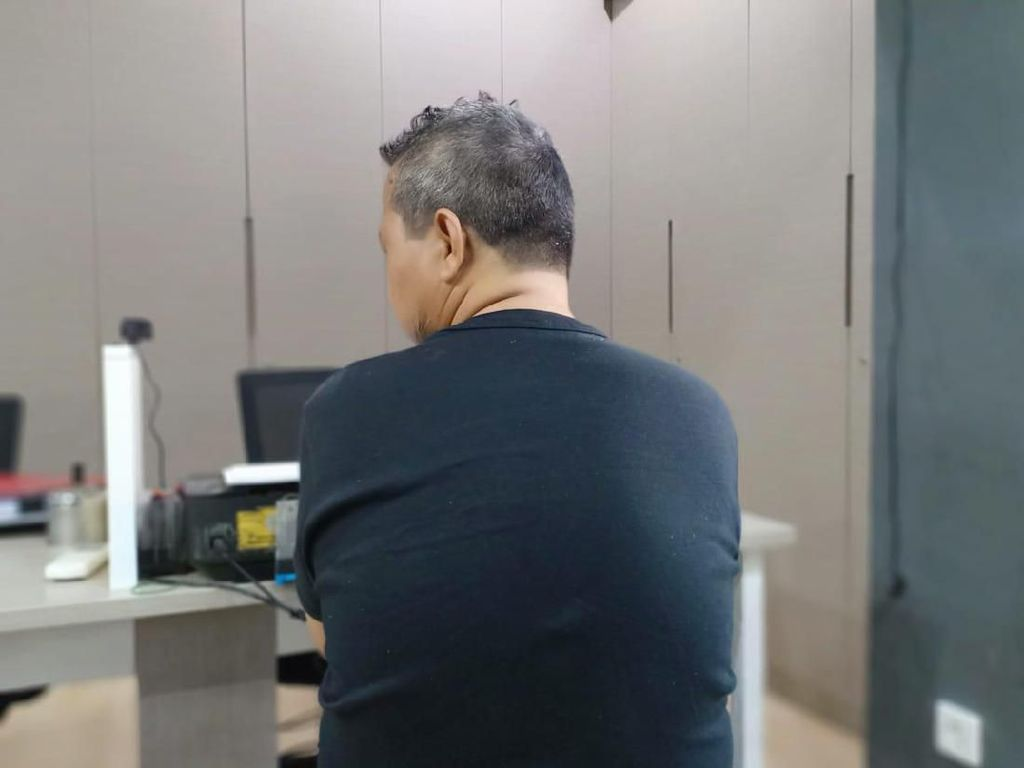 Hendak Gagalkan Pelantikan Pakai Bom Bola, Samsul Pantau Demo-demo