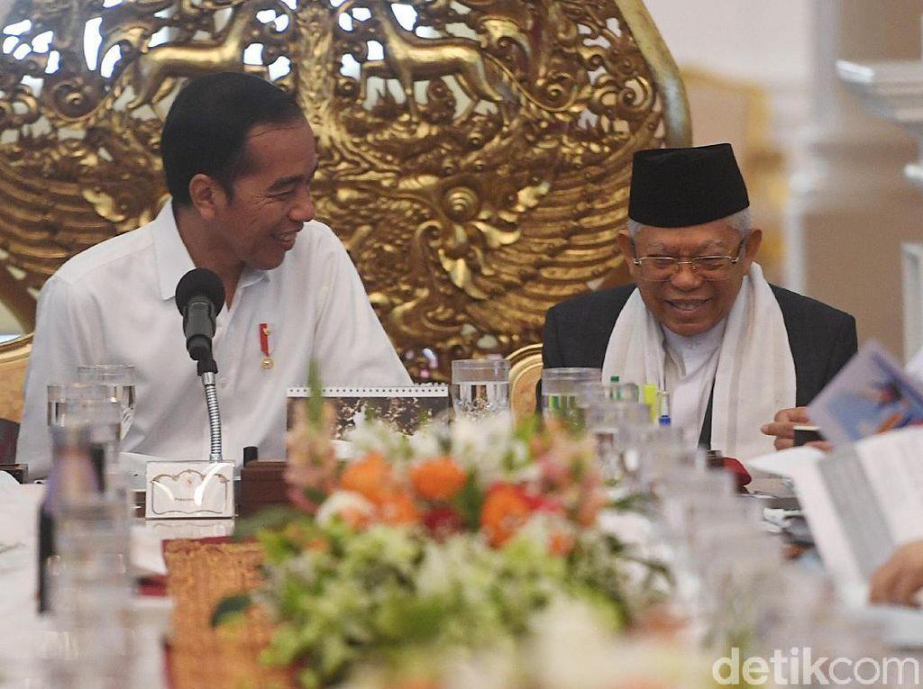 Jokowi Pimpin Sidang Kabinet Perdana di Istana Merdeka