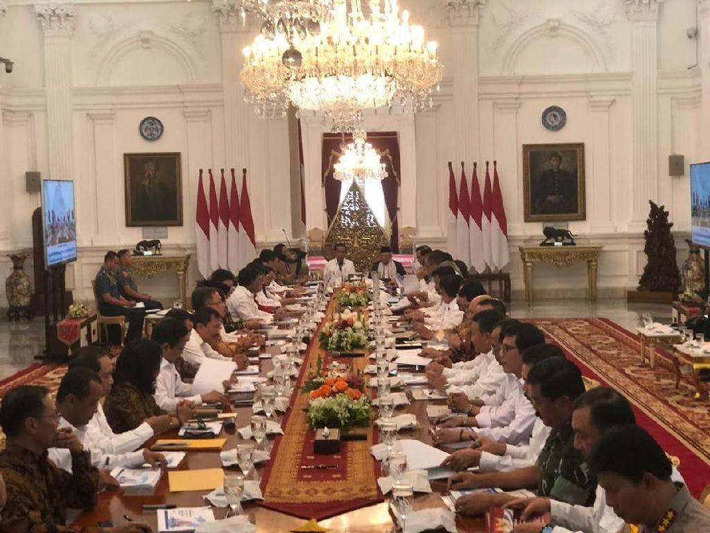 Seabrek PR Kabinet Ekonomi Jokowi dari Pengusaha