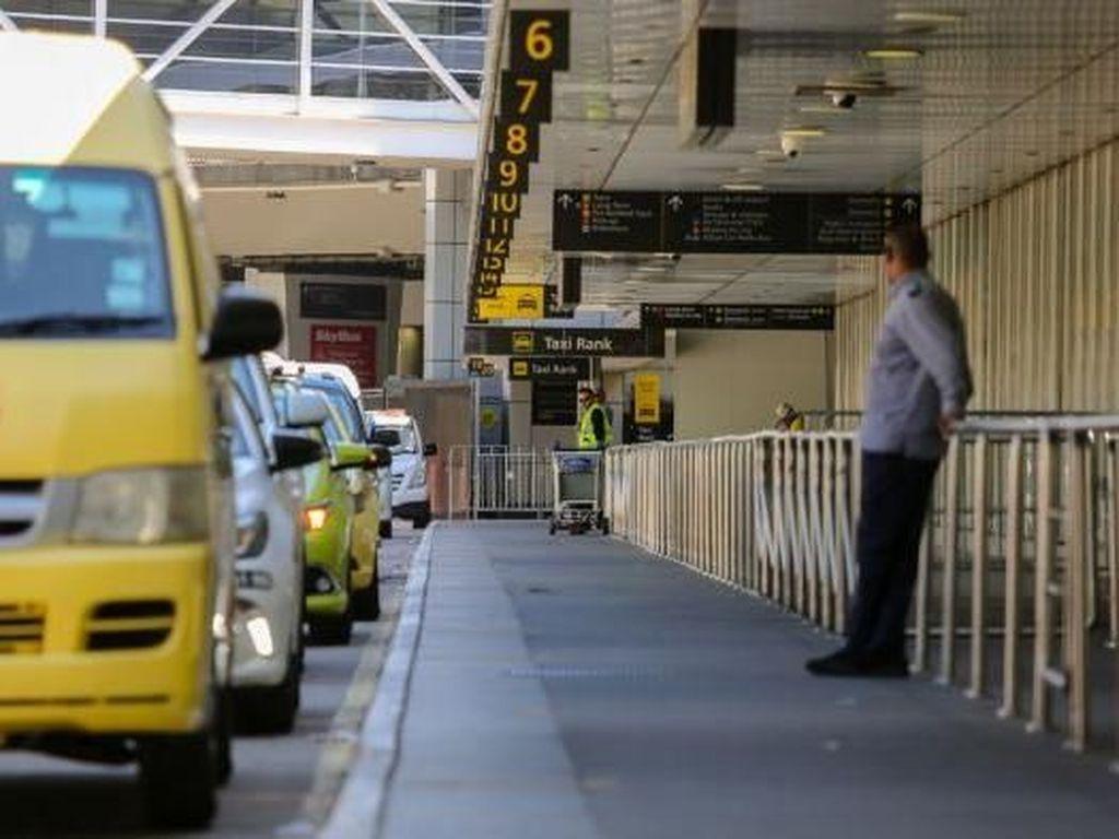 Uber Hancurkan Industri Taksi, Calo Kini Berkeliaran di Bandara Melbourne