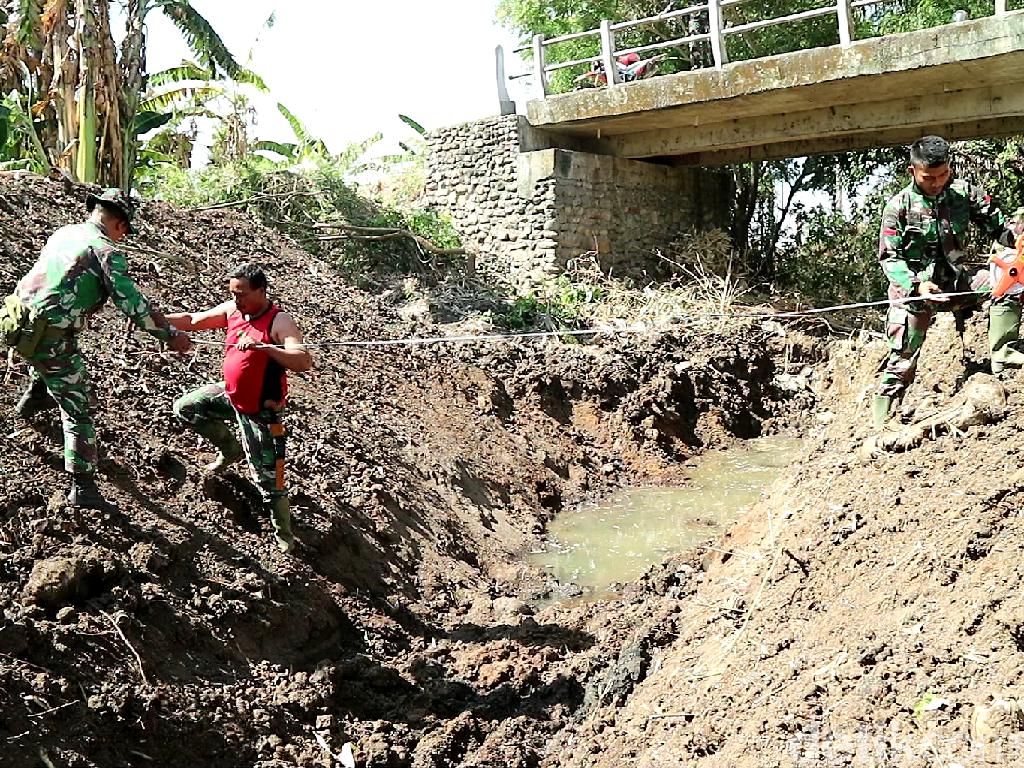 Tentara Masuk Desa, Jalan hingga Masjid di Soppeng Dibangun
