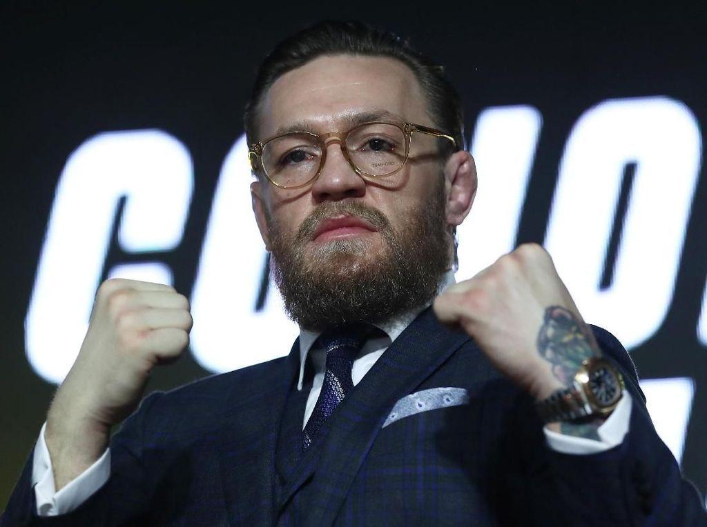 Rayakan Natal, McGregor Berikan Donasi Rp 450 Juta untuk Tunawisma
