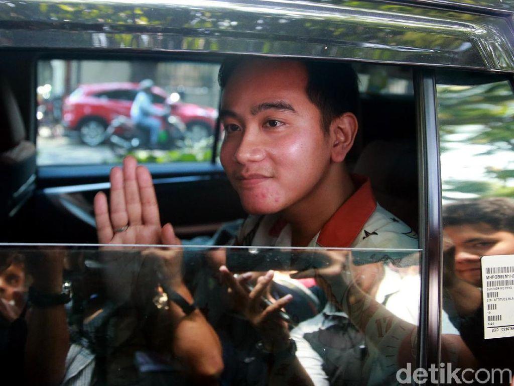 FX Rudy Ungkap Pesan Megawati untuk Gibran yang Ingin Jadi Cawalkot