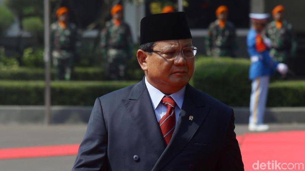 Menhan Prabowo Tak Ambil Gaji, Jokowi Naikkan Iuran BPJS Kesehatan