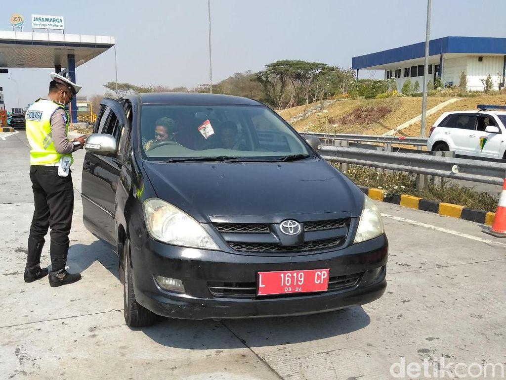 33 Pengendara Terjaring Operasi Zebra Semeru dengan Speed Gun di Tol Sumo