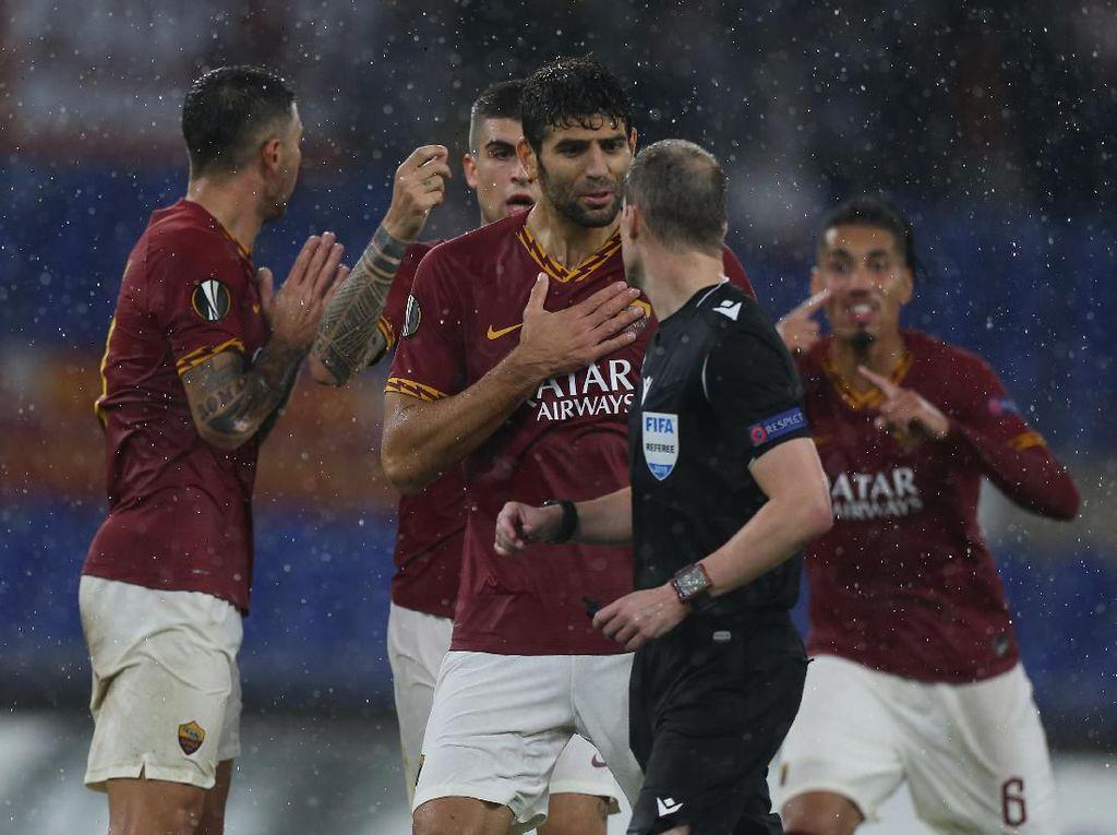Kemenangan Buyar di Injury Time, Skuat Roma Muram
