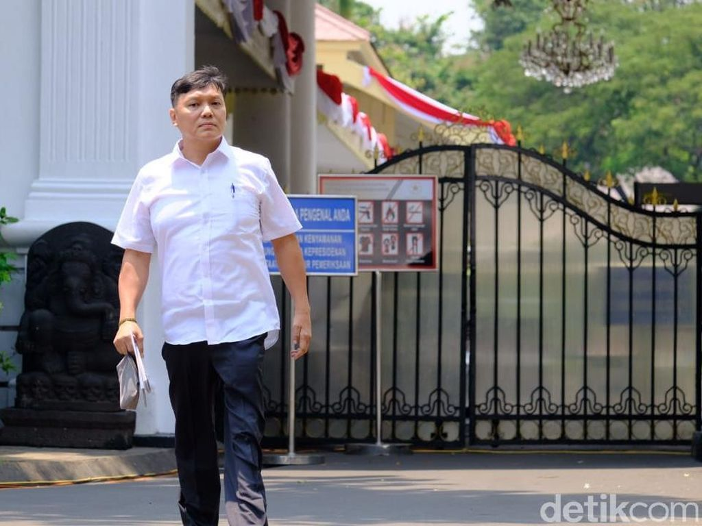Jokowi Tugasi Surya Tjandra Bereskan Sengketa Tanah
