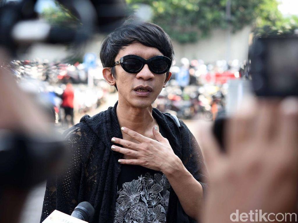 Nge-DJ di Tempat Aming Ultah, Evelyn Kikuk Nggak?