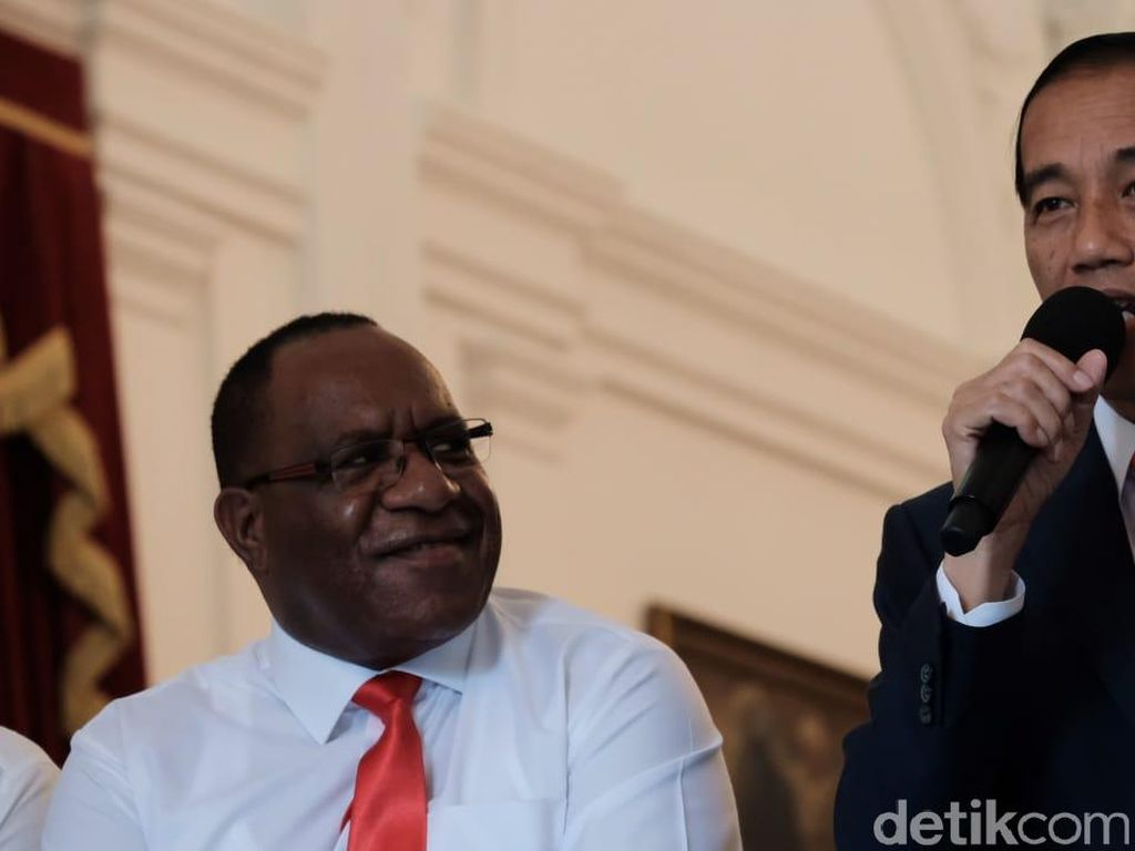 Rekam Jejak John Wempi Wetipo, Putra Papua yang Jadi Wamen PUPR