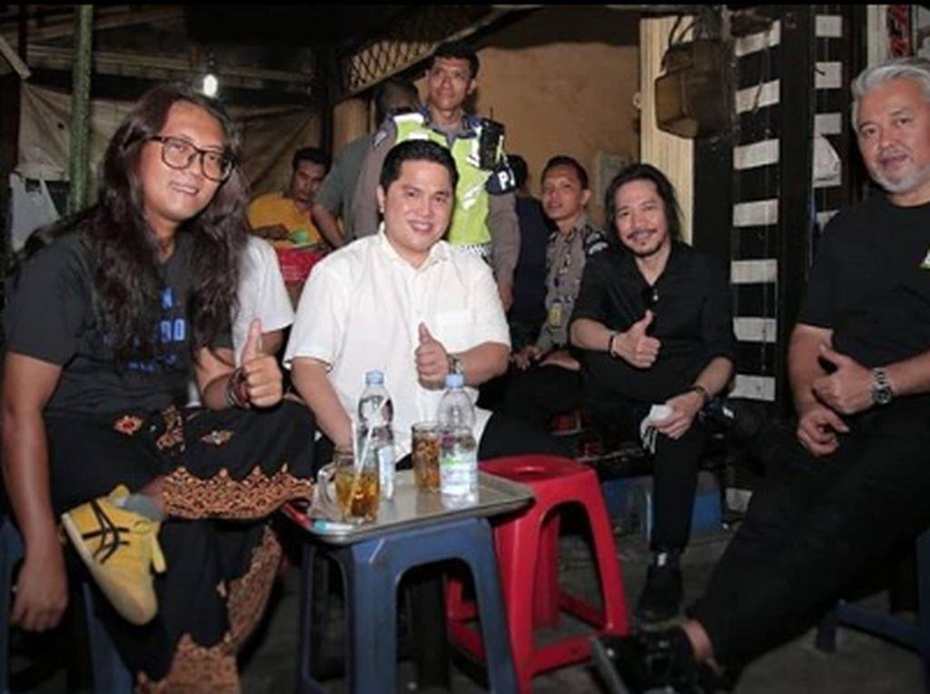 5 Momen Erick Thohir Saat Cicipi Kuliner Legendaris di Indonesia