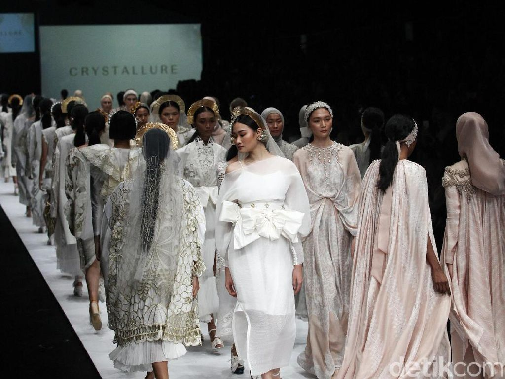 Serba Virtual, JFW Jadi Fashion Show Indonesia Pertama di TikTok