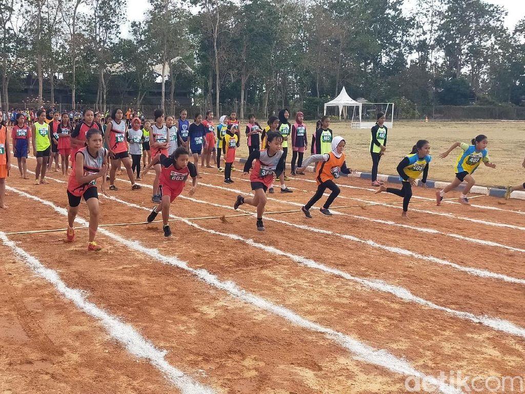 Banyuwangi Jaring Pelari Muda Melalu Kompetisi Lari Estafet Massal