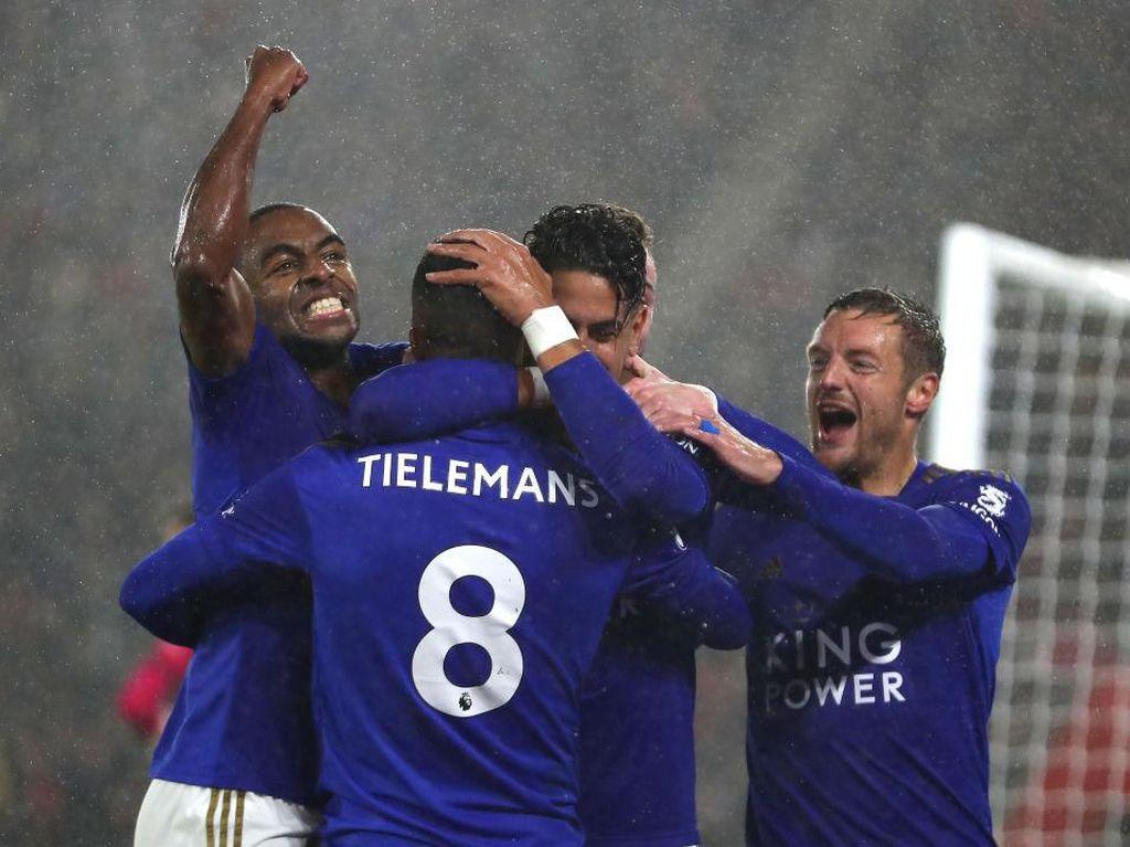 Hasil Liga Inggris: Bantai Southampton 9-0, Leicester Geser City