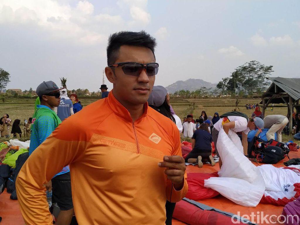 Penerbang Malaysia Puji Spot Paralayang di Sumedang