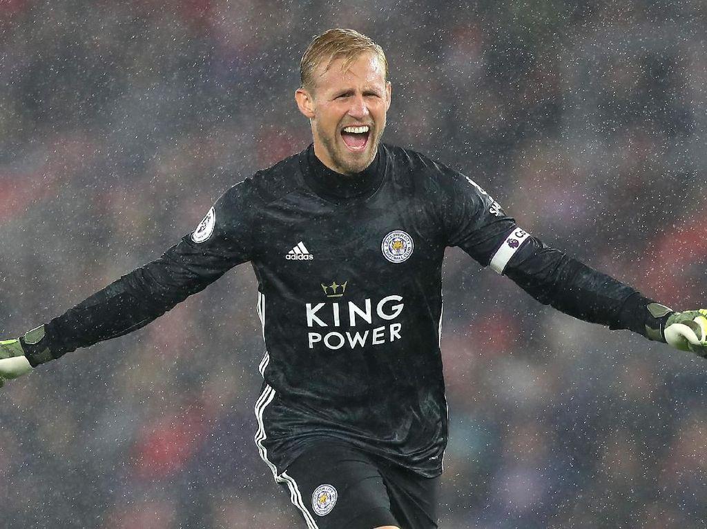 Like Father, Like Son dalam Kemenangan 9-0 Leicester di Southampton