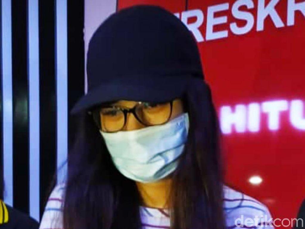 Artis Terseret Prostitusi Online, Zoya Amirin Minta Pembeli Tak Ditutupi