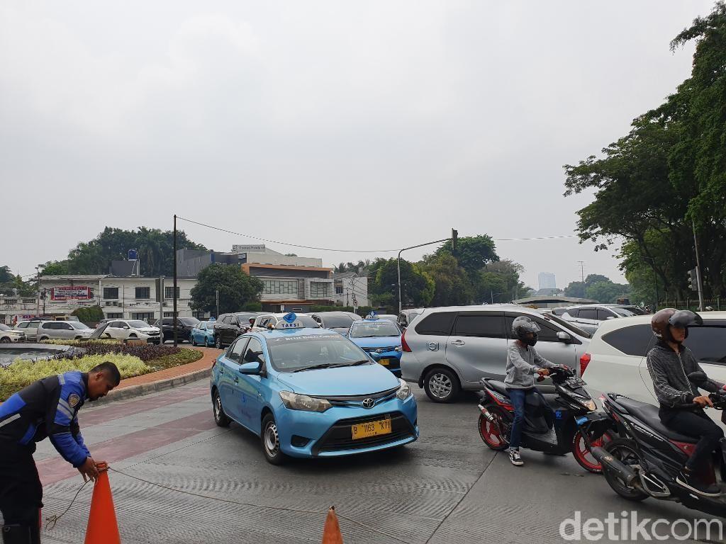 Jl Sudirman Tutup Jelang Karnaval Jakarta Langit Biru