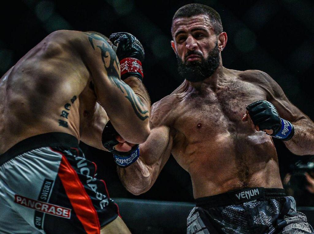 ONE Championship: Juara Baru Lahir Usai Abbasov Kalahkan Kadestam