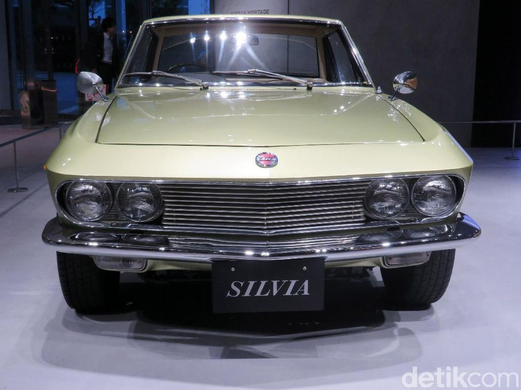 Antik! Jajaran Mobil Jadul Nissan