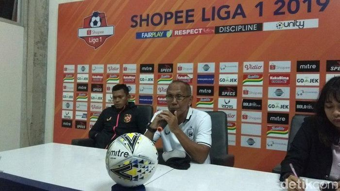 Bambang Nurdiansyah memberi keterangan pers usai laga PSIS vs Borneo FC. (Foto: Eko Susanto/detikSport)