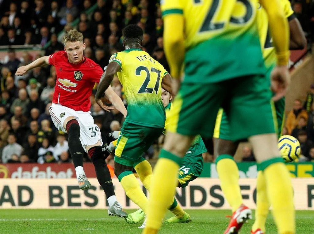 Diwarnai 2 Penalti Gagal, MU Ungguli Norwich 2-0 di Babak I