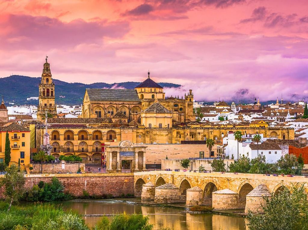 17 Rekomendasi Tempat Wisata untuk Traveler yang Singgah ke Andalusia