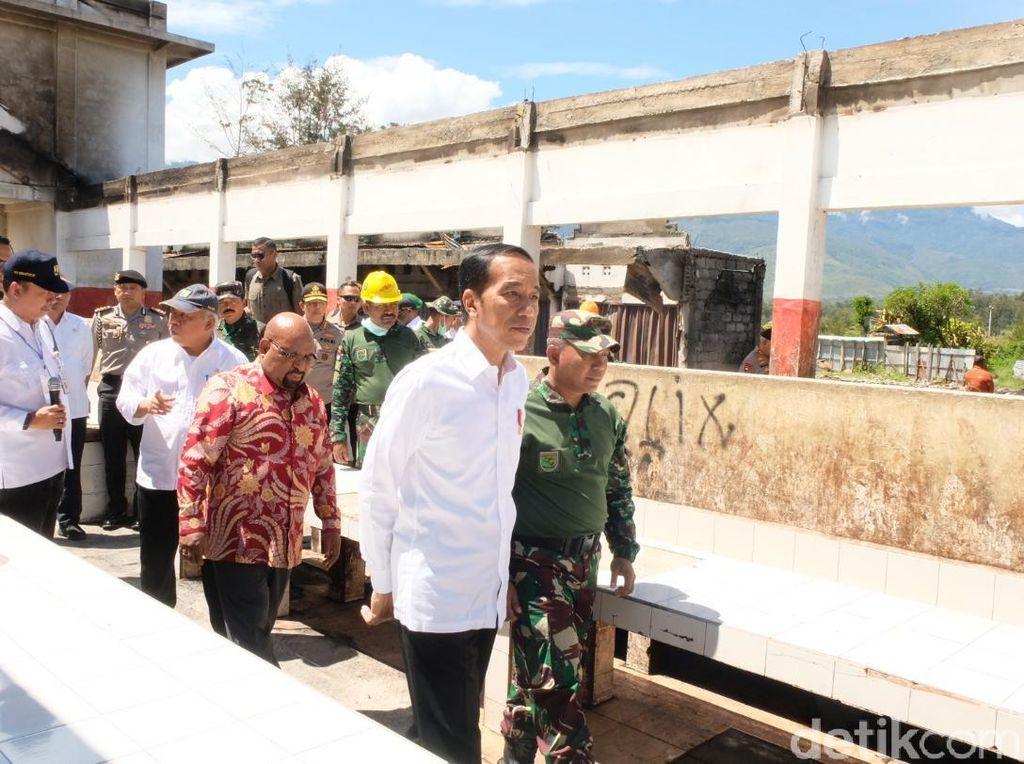 Tiba di Wamena, Jokowi Kunjungi Pasar Bekas Kerusuhan