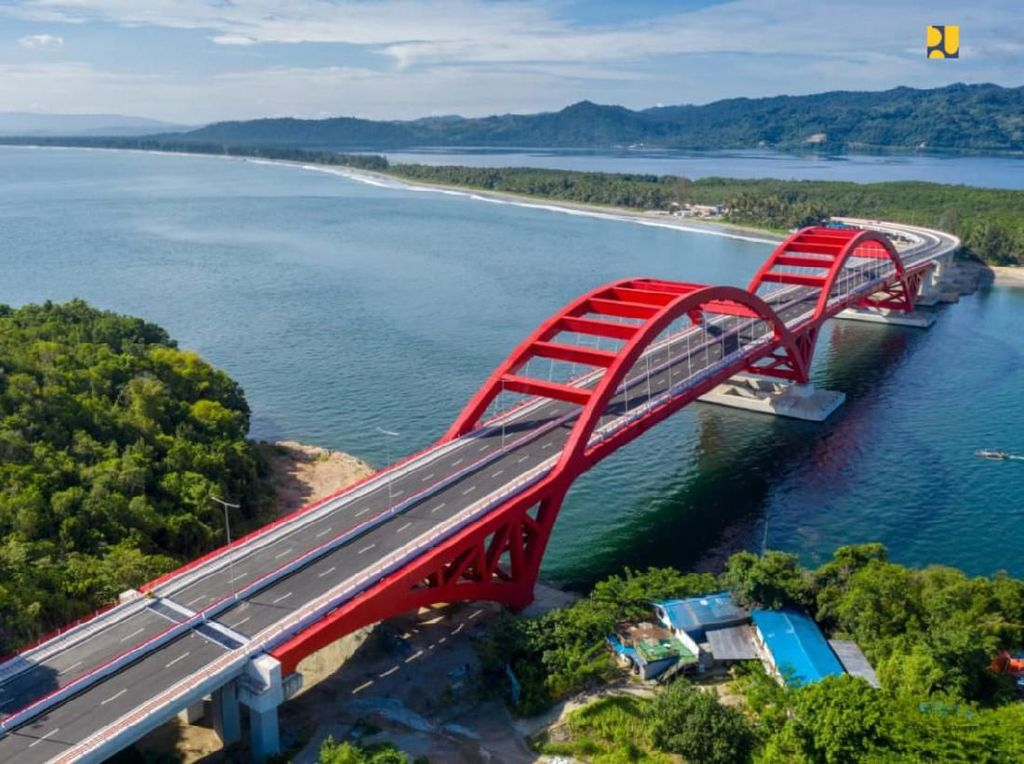 Diresmikan Jokowi, Ini yang Perlu Diketahui dari Jembatan Youtefa