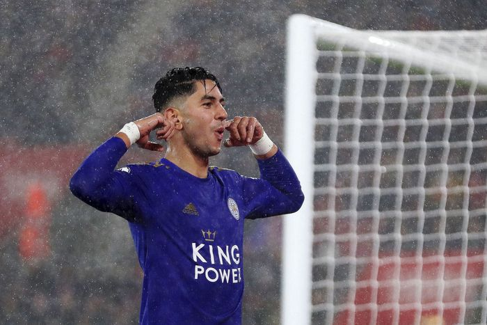 SOUTHAMPTON, ENGLAND - OCTOBER 25: Ayoze Perez of Leicester City celebrates after scoring his teams third goal during the Premier League match between Southampton FC and Leicester City at St Marys Stadium on October 25, 2019 in Southampton, United Kingdom. (Photo by Naomi Baker/Getty Images)