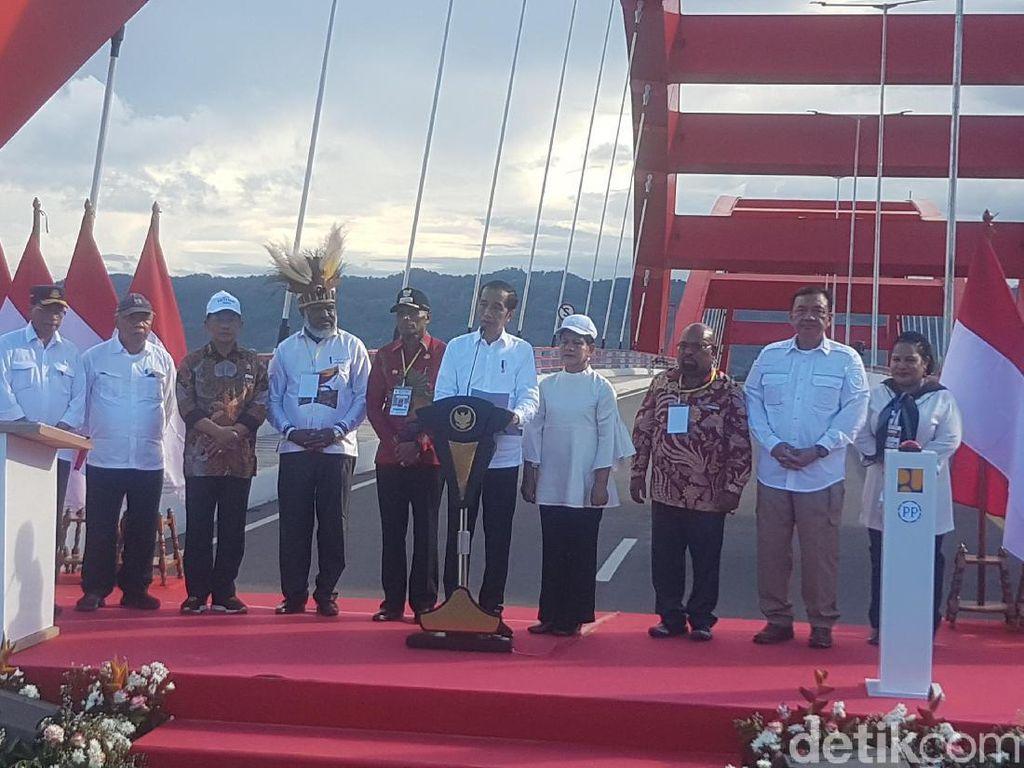 Resmikan Jembatan Youtefa, Jokowi Bertekad Bangun Papua Lebih Maju