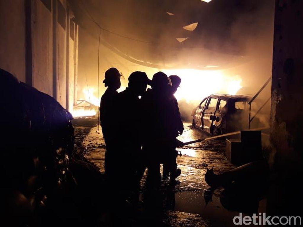 Pabrik Plastik di Sidoarjo Terbakar, Karyawan Berhamburan Keluar