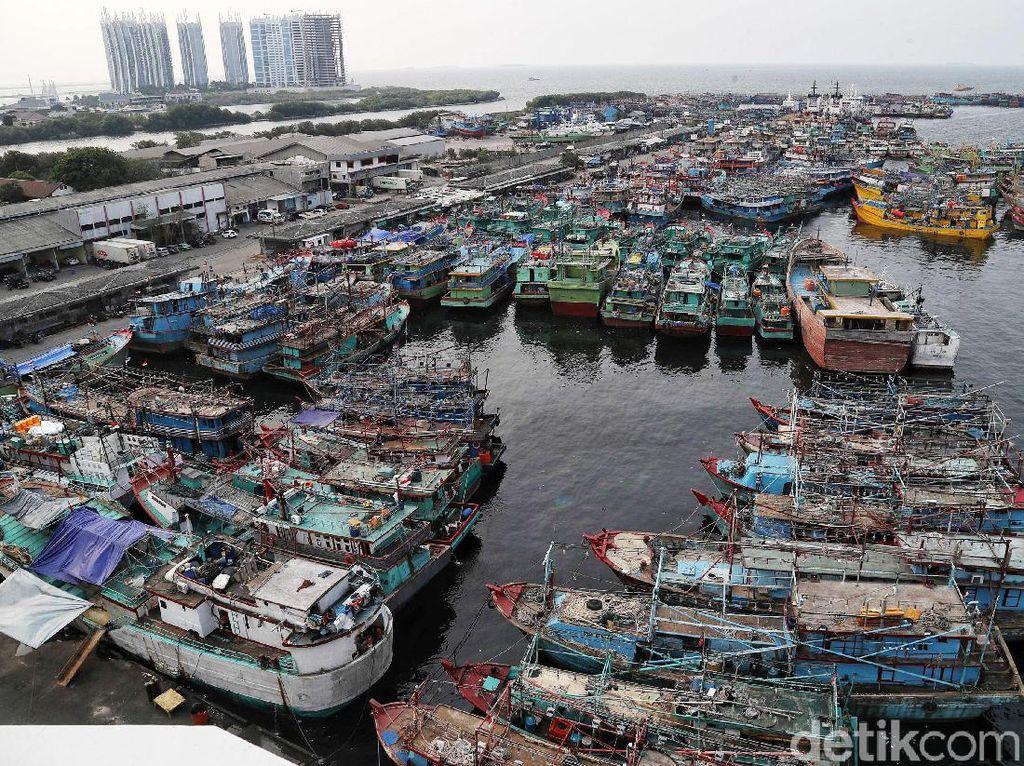 Nelayan Curhat ke Edhy Prabowo, Kapalnya Nyangkut di Pulau Reklamasi
