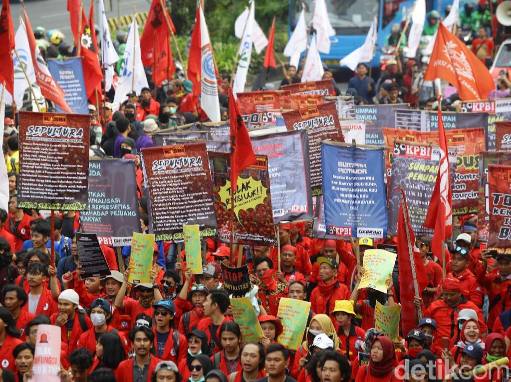 Suasana Long March Massa Aksi di Thamrin
