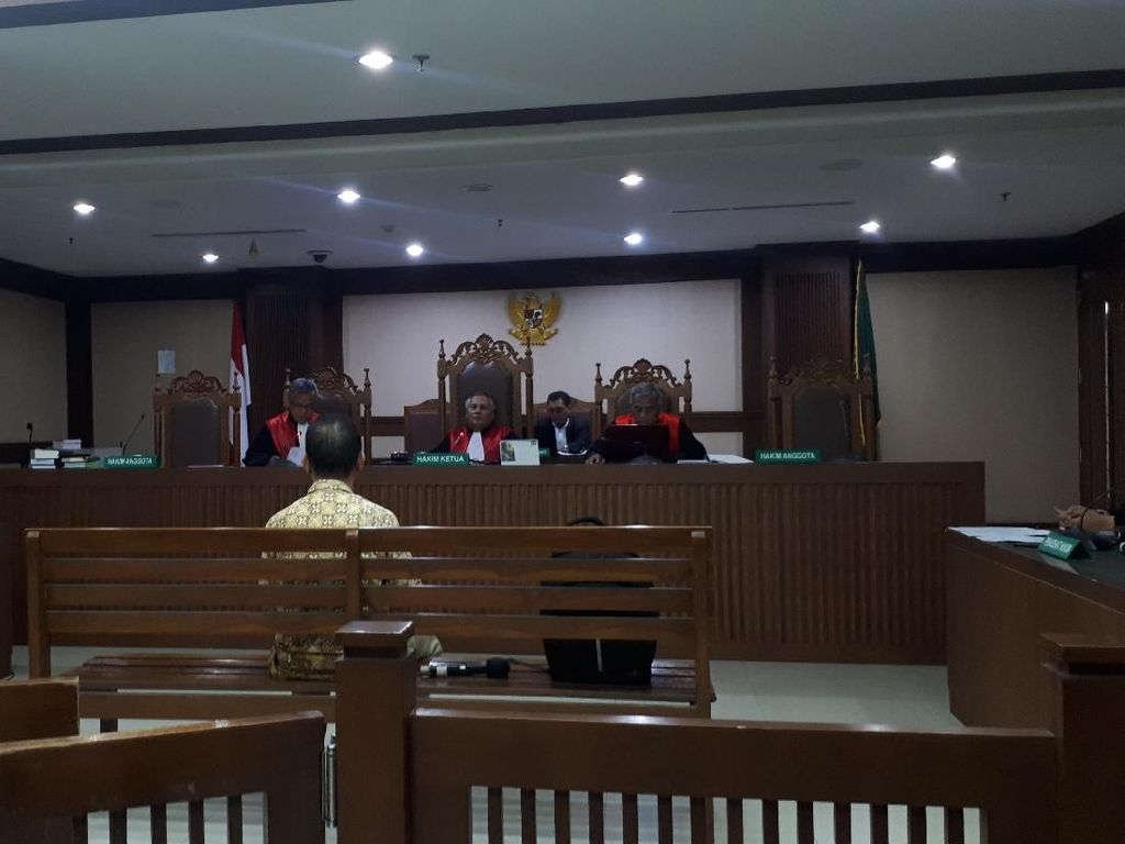 Terbukti Suap Sukiman, Eks Plt Kadis PUPR Pegaf Divonis 1,5 Tahun Bui