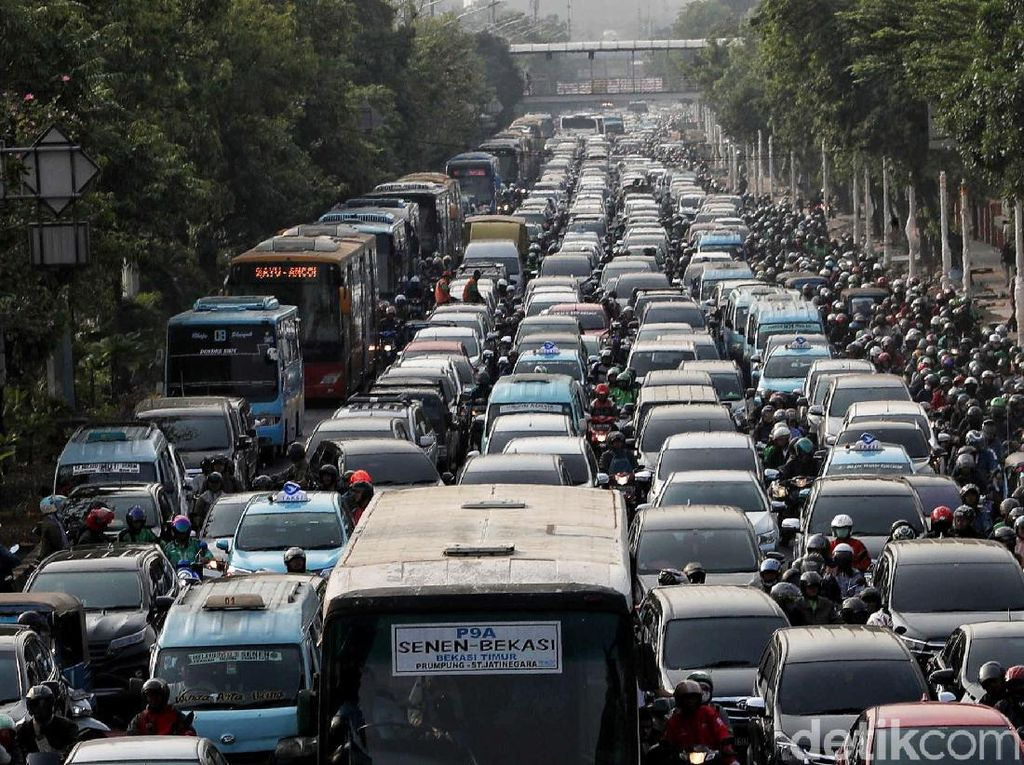 Dishub DKI Klaim Lampaui Target Kurangi Kemacetan di Jakarta
