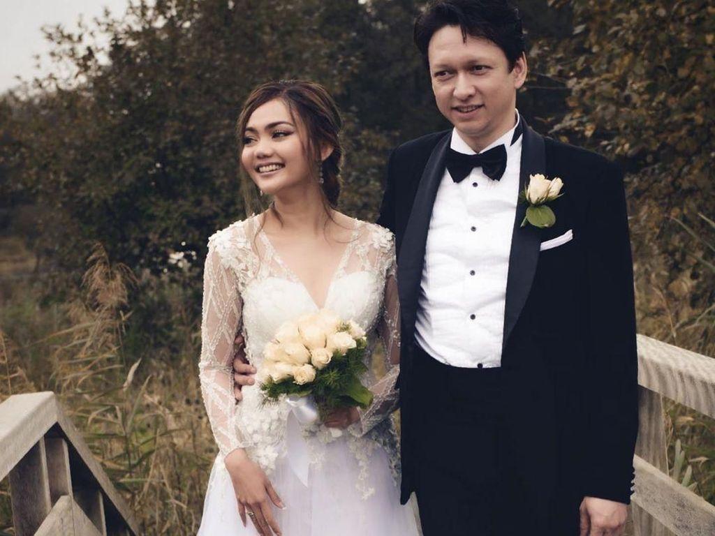 Rina Nose dan Suami Jelaskan 2 Kali Prosesi Nikah tapi Tidak Beda Agama