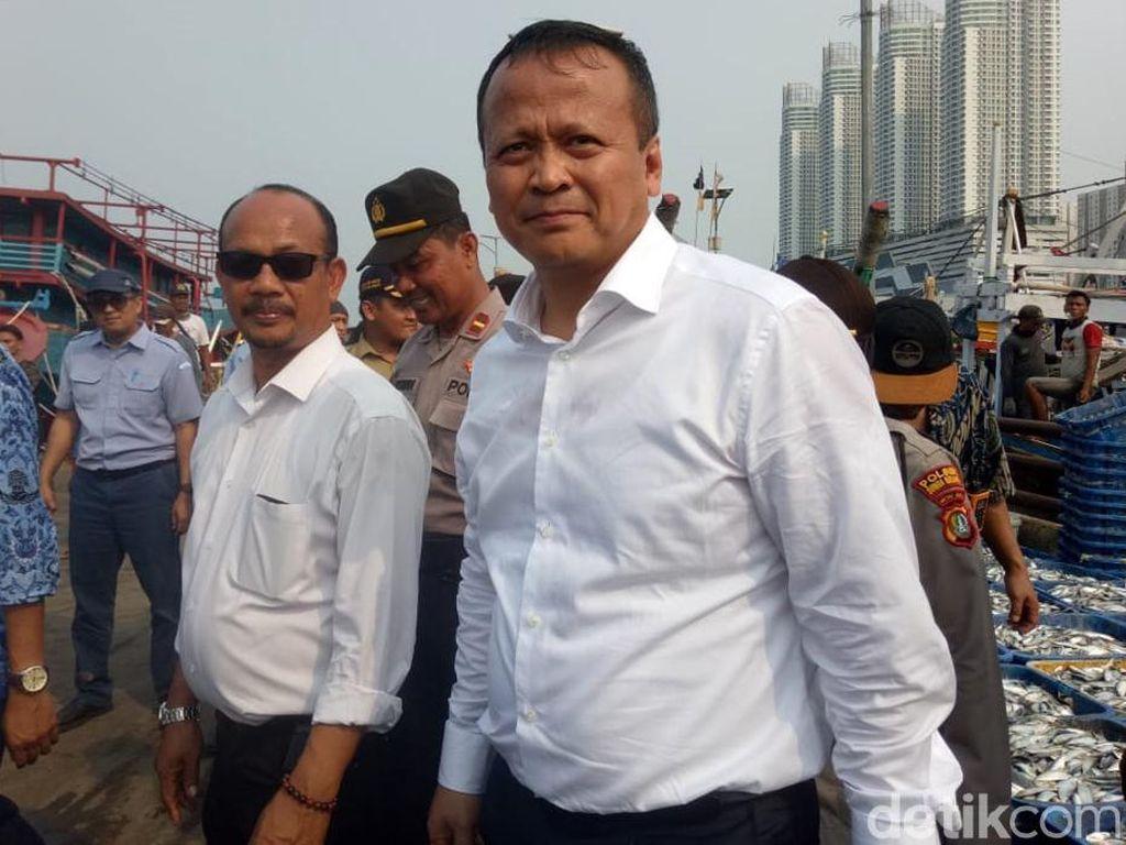 Momen Menteri Kelautan Blusukan Perdana di Muara Angke