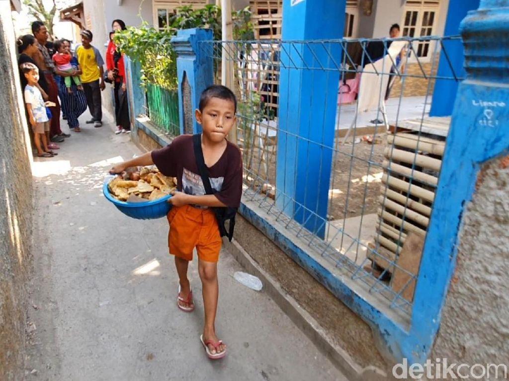 Semangat Arga Bocah Penjual Gorengan di Palabuhanratu Sukabumi