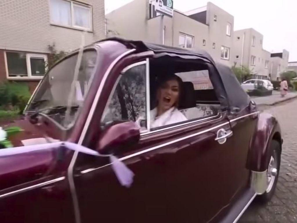 Ternyata! Ini Alasan Rina Nose Setir Mobil di Hari Pernikahannya