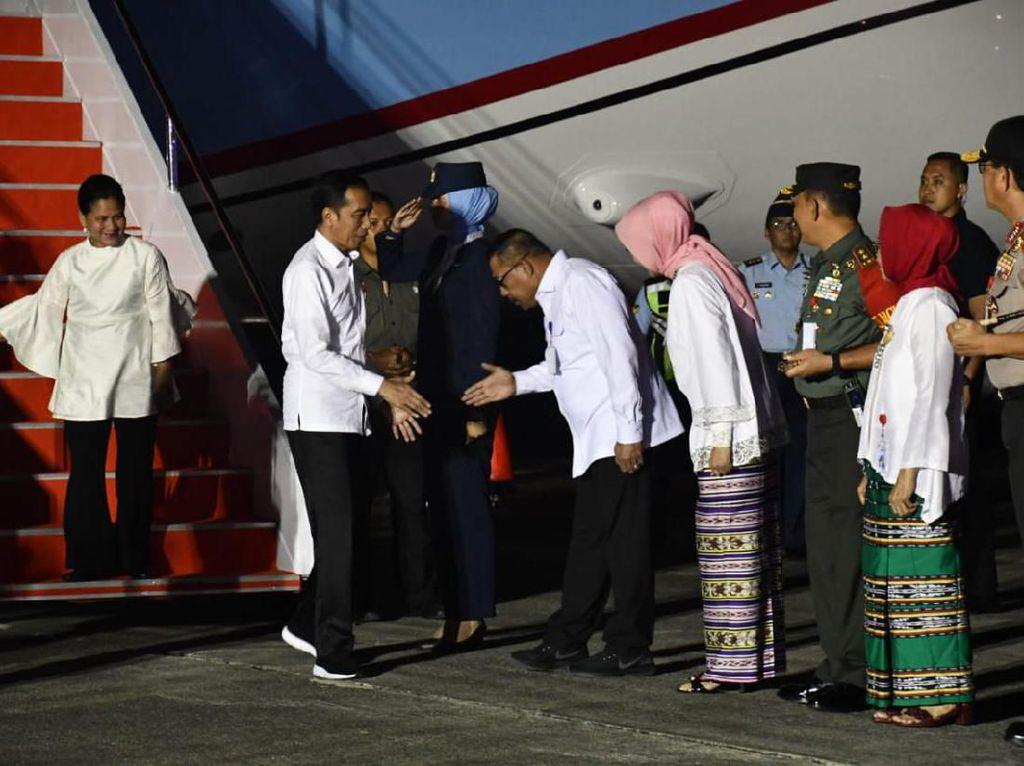 Tiba di Ambon, Jokowi Akan Kunjungi Korban Gempa Maluku Besok