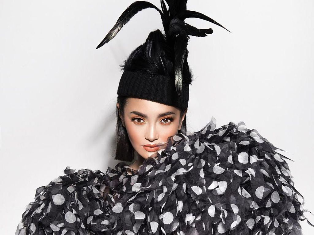 Ririn Ekawati Cantik Banget di Foto Terbaru, Dipuji Desainer Marc Jacobs
