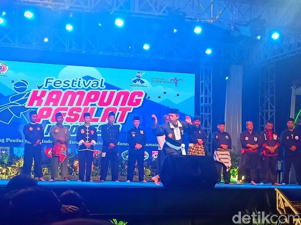 14 Perguruan Silat Meriahkan Festival Kampung Pesilat Indonesia di Madiun