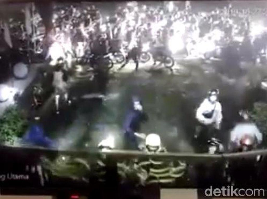 Gerombolan Bermotor Penyerang SMAN 10 Bandung Berjumlah 100 Orang