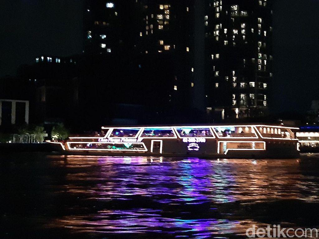 Kena Macet di Bangkok? Pakai Transportasi Air Saja